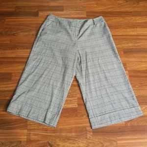 Lane Bryant Plaid Capris Sz. 16
